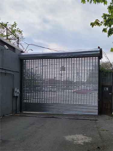 gate installation,chain,remote control,metal gate,electric gate,sliding gate,driveway gate,steel gate,iron gate,automatic gate installation,gate motor,gate opener,entry gate,